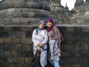 my beloved mom n sister